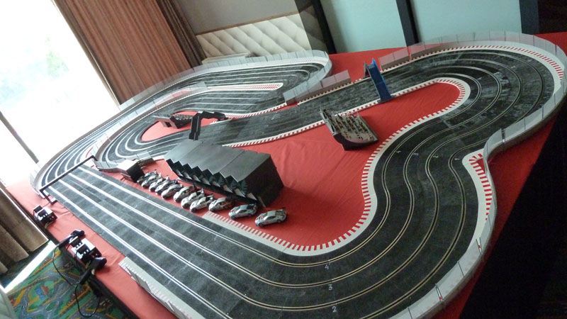 motos de scalextric que se inclina